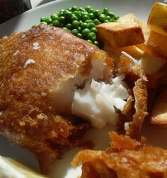 Wow! I've tried many times fish and chips during the time I was in London, but just a few times the battered was excellent. But this one looks so so delish! I really like old English traditional food, made with local and seasonal products(And the desserts are just amazing) That's one of the reasons why I love this blog. She makes traditional/ not traditional also, and scrummy english food!