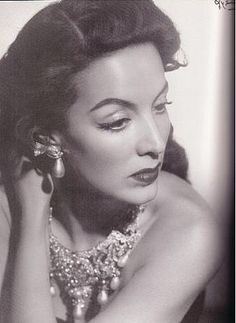 Mexican Goddess #MariaFelix (she said the only actress she admired was Greta Garbo)