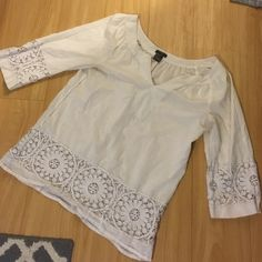 Ann Taylor Blouse Great condition- light weight - 3/4 sleeve blouse Ann Taylor Tops Blouses