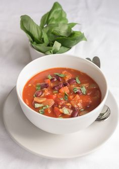 This vibrant looking, red pepper, tomato and kidney bean soup, is not only really tasty, and a real feel good soup but it's low in calories, low in fat AND a excellent source of fibre too!