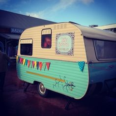 Another cute vintage trailer