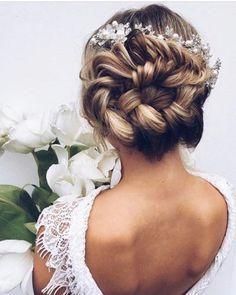 Wedding Hairstyle Inspiration | Deer Pearl Flowers