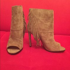 Dolce Vita Hanover Suede Bootie Brand new never worn. Retails $220. Size 7. They have a 4in heel. Circumference is 10in. Shaft is 6.5in. Color is Taupe Dolce Vita Shoes Ankle Boots & Booties