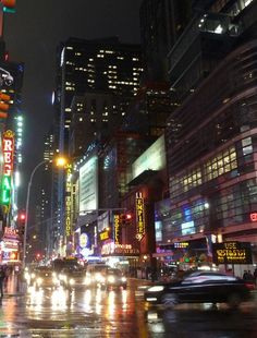 Looking for great deals on hotels in New York? Find the best #traveldeals here!