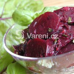 Fotografie receptu: Salát z červené řepy s bazalkou