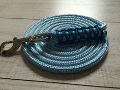 Longes de 3m Tressage : zig zag bleu roi  Couleur : bleu pastel   Prix 23€ (sans frais de port )   Instagram : chevalarts  Mail : chevalarts@gmail.com