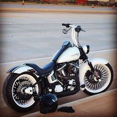 Harley Davidson Bike Pics is where you will find the best bike pics of Harley Davidson bikes from around the world. Harley Davidson Dyna, Harley Davidson Photos, Harley Davidson Museum, Harley Davidson Street, Harley Davidson Motorcycles, Softail Bobber, Bobber Chopper, Motorcycle Images, Motorcycle Garage
