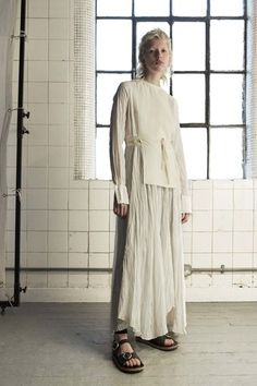 See the complete Joseph Resort 2017 collection.