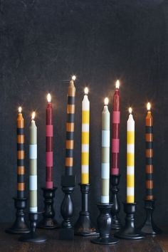 Potter Frenchy party - DIY bougies pour une soirée Harry Potter - candles for a… Velas Harry Potter, Diy Interior, Chandelier Bougie, Do It Yourself Inspiration, Diy Candle Holders, Taper Candles, Large Candles, Beautiful Mess, Crafty Craft
