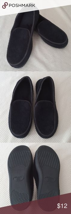 Men's Black Isotoner Slippers Black Isotoner Slippers for your man! Don't forget to pick up a little something for him!  He'll enjoy these as the are in like new/only tried on condition! Comfortable memory foam footbed. Soft terry microfiber upper.  Size 11-12 Isotoner Shoes Loafers & Slip-Ons