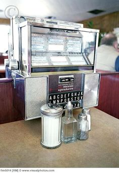 Juke Boxes in your booth at the Diners. memori, tabl jukebox, diner drive, rememb, grow, boxes, vintage juke box, diners, childhood