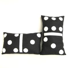 Domino pillow.