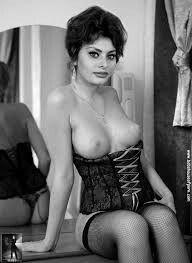 Sophia Loren More Más