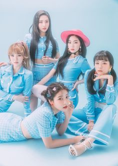 Discovered by 𝒿𝑜𝑜𝒽𝓎𝓊𝓃. Find images and videos about kpop, red velvet and joy on We Heart It - the app to get lost in what you love. Seulgi, Red Velvet イェリ, Red Velvet Dress, Good Girl, My Girl, Kpop Girl Groups, Kpop Girls, Blue Feed, Chanyeol
