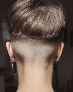 Curly Pixie Haircuts, Pixie Hairstyles, Short Haircuts, Trendy Hairstyles, Short Hair Cuts For Women, Short Hairstyles For Women, Short Hair Styles, Brunette Hair Cuts, Shaved Nape