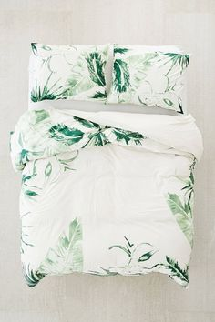 Expressive Palms Duvet Cover | Urban Outfitters #duvetcover