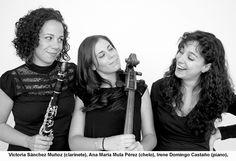 """Conciertos Enero 2013 Almuñécar  """"TRIO HIPATÍA"""" - Victoria Sánchez Muñoz (clarinete), Ana María Mula Pérez (chelo), Irene Domingo Castaño (piano).  Blog Hotel bahía de Almuñécar"""