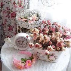 За окном дождь,а дома супер! #мойдом #mysweehome #myhome  #уютныйдом #уют#driedroses #roses#шеббишик #шебби#стиль  #интерьер #романтика#красота #romantichome #romantic#розы#beautiful #beautifulhomes #clock#shabbylove #shabbychicdecor #shabbywhite #shabbychic#photo#фото