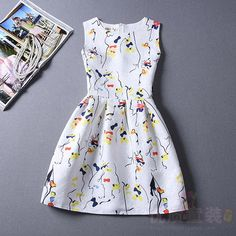 Spring and summer fashion show thin sleeveless dress commuter