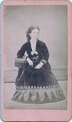 CDV 43 Victorian Women, Female Photographers, Photos, Pictures, Cabinet, Painting, Image, Art, Clothes Stand