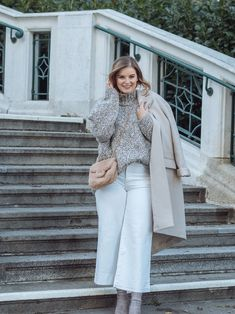 Winter Whites - so trägst Du Weiß im Winter - Basic Outfits, Fashion Bloggers, Different Styles, Duster Coat, Jackets, Winter White, Styling Tips, Suede Fabric, Fashion Trends