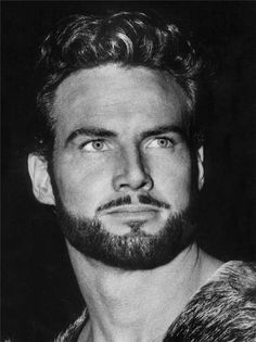 Hercules - Steve Reeves - 1926 - 2000 this guy looks like a freakin abercrombie model and he lived soooo long ago! (when he is older) Steve Reeves, Hollywood Stars, Classic Hollywood, Old Hollywood, George Peppard, Doug Mcclure, Donald Sutherland, Jerry Lewis, Abercrombie Models