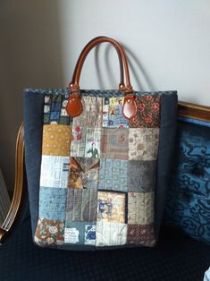 Patchwork Bags, Quilted Bag, Rag Quilt, Scrappy Quilts, Japanese Bag, Denim Crafts, Crochet Handbags, Fabric Bags, Tote Bag