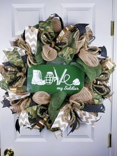 Increase completely love factor, what ever the function with our series of Affectionate Presents! Military Home Decor, Army Decor, Military Decorations, Army Wreath, Military Wreath, Military Wife, Army Mom, Army Life, Army Sister
