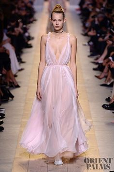Christian Dior – 64 photos - the complete collection