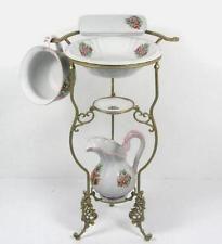 ensemble lavabo bassine cruche porte savon pot de nuit porte peigne deco antique ayk world. Black Bedroom Furniture Sets. Home Design Ideas