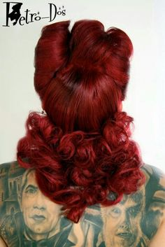 ..red retro / vintage inspired psychobilly hair..