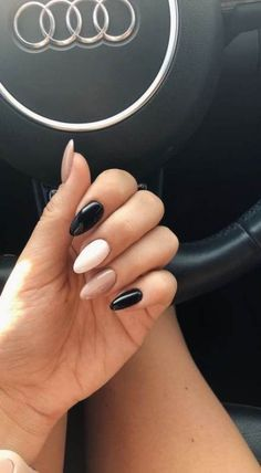 New Nails Black White Design Beauty Ideas - Ongles d'hiver Ten Nails, Aycrlic Nails, Hair And Nails, Stiletto Nails, Coffin Nails, Black White Nails, Black Gel Nails, Black And White Nail Designs, Cute Black Nails