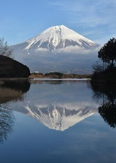 Fuji on Lake Tanuki, Shizuoka Japan Landscape, Landscape Photos, Scenery Pictures, Nature Pictures, Monte Fuji Japon, Fuji Mountain, Mont Fuji, Kobe Japan, Aesthetic Japan