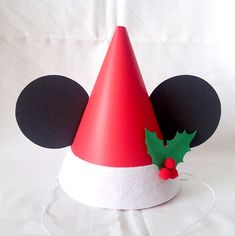 #mickey #disney #ミッキー #ディズニー #手作り #飾り #DIY #パーティークラフト #ミッキーパーティー #クリスマス #xmas #クリスマスパーティー Crafts For Kids To Make, Christmas Crafts For Kids, Christmas Baby, Christmas Themes, Diy And Crafts, Christmas Gifts, Christmas Decorations, Christmas Costumes, Disney Crafts