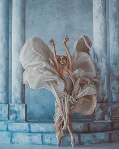 dancing flower by Dan Hecho - Photo 301854451 / Ballet Poses, Ballet Art, Dance Poses, Ballet Dancers, Ballet Dance Photography, Art Photography, Kairo, Dance Pictures, Sculpture