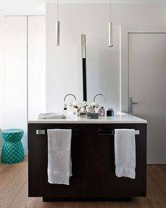 Un ático para el arte - Nuevo Estilo Double Vanity, My House, Sink, Home Decor, Choices, Madrid, Bathrooms, Beautiful, New Art