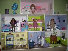 Pretty American Girl Dollhouse with amazing detail on the walls. American Girl Storage, American Girl House, American Girl Parties, American Girl Crafts, American Girl Clothes, Doll Crafts, Diy Doll, Ag Dolls, Girl Dolls