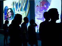 Entre as atrações, estão apresentações musicais, instalações, obras de arte, performances, vídeos, projeções, feira de publicações independente e arte impressa e feirinha gastronômica.