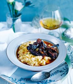 Simon Hulstone's rice pudding recipe is a twist on the classic. The armagnac and earl grey prunes offer a depth of warming flavours – perfect for a cold evening. Quick Dessert Recipes, Delicious Desserts, Yummy Food, Dessert Ideas, Trifle Pudding, Pudding Recipe, Rice Pudding Ingredients, Prune Recipes, Vanilla Rice