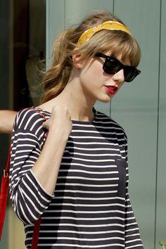 Taylor Swift's Banded Beauty.  How to wear a headband.