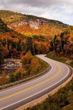 America's most thrilling roads -Kancamagus Highway (New Hampshire) 34 mile stretch in New Hampshire Rt 112 New England Fall, White Mountains, New Hampshire, Places To See, Beautiful Places, Beautiful Roads, Scenery, Around The Worlds, Country Roads
