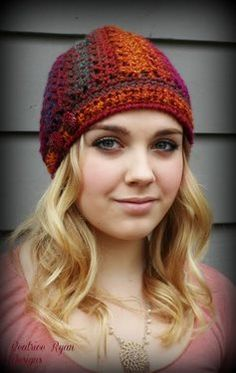 This crochet hat is so cute! I love the use of variegated yarn. Effortless Chic Crochet Beanie - Media - Crochet Me