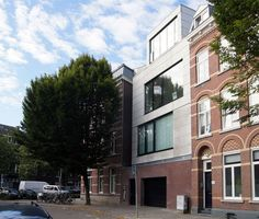 Hoek Brusselsestraat-Herbenusstraat Maastricht Multi Story Building, Street View, Mansions, House Styles, Home Decor, Decoration Home, Room Decor, Fancy Houses, Mansion