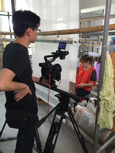 Our weaver is working. www.yilongcarpet.com #art #woolcarpet #mosquecarpet #redcarpet #carpet #handmadeindiancarpets #prayercarpet #moderncarpet #redandblackcarpet #rugs #wallhangingcarpet #wallhangingrugs