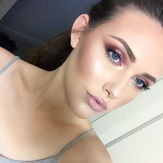 Love discovering new talent @katclrk__  BROWS: #BrowPowder in Medium Brown  LIPS: NYX Cosmetics Nude Pink Lip Liner all over with Stone High Voltage  #anastasiabrows #anastasiabrows