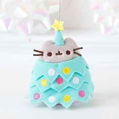 Pusheen Christmas decorations or key chain Pusheen Love, Pusheen Plush, Pusheen Christmas, Christmas Cats, Cutest Cats Ever, Cute Stuffed Animals, Pusheen Stuffed Animal, Nyan Cat, Cute Plush