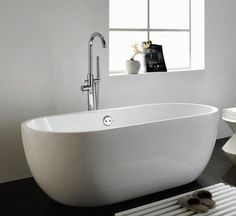 Free Standing Bath Tubs with Gorgeous Design and Style - http://www.amazadesign.com/free-standing-bath-tubs-with-gorgeous-design-and-style/
