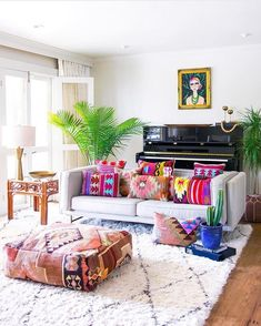 Now you have a lot of room for creativity! Bohemian or also popularly known as the boho style, is among the most unique interior styles that it is possible to apply in the living room. Your living room is among… Continue Reading → Bohemian Living Rooms, Colourful Living Room, Living Room Modern, Living Room Decor, Bedroom Decor, Colorful Apartment, Living Room Remodel, Apartment Living, Home And Deco