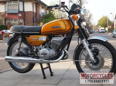1975 Suzuki M this is another bike of my youth, the ram air version and the best colour too Suzuki Bikes, Suzuki Motorcycle, Cool Boats, Bike Style, Classic Bikes, Vintage Bikes, Sport Bikes, Custom Bikes, Vintage Japanese