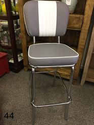 COOL Retro Dinettes | 1950's Style | Canadian Made Chrome Sets Retro Table And Chairs, Retro Kitchen Tables, Retro Dining Rooms, Retro Dining Chairs, Vintage Kitchen, Dining Tables, Retro Kitchens, Arm Chairs, Retro Furniture